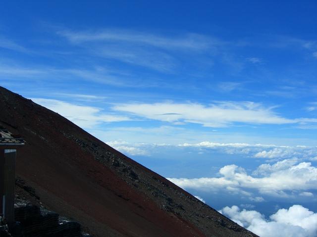 下界では味わえない絶景を富士山(登山後に世界文化遺産に登録)から