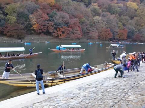 観光スポット「京都・嵐山」下船場到着